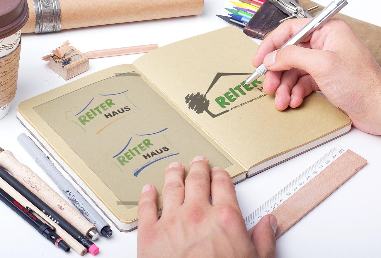 Logo Reiter Haus in Entwicklung